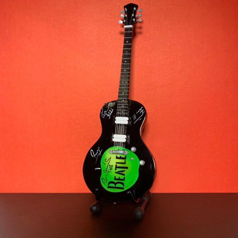 Сувенирная мини гитара The Beatles, Инструменты, Москва, Фото №1