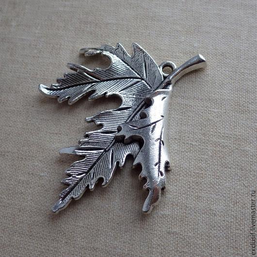 Фурнитура для создания украшений - кленовый лист. Подвеска для кулона, брелока, браслета в виде изящного  листа клена.
