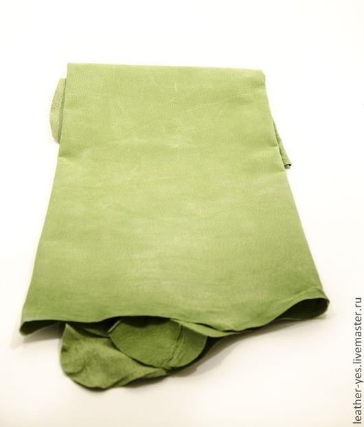 Шитье ручной работы. Ярмарка Мастеров - ручная работа. Купить Кожа натуральная, светло-зеленая, E50. Handmade. Зеленый