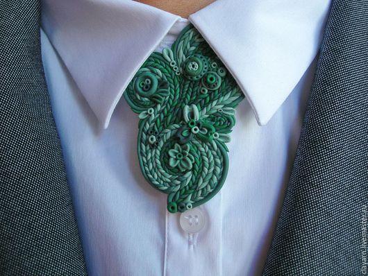 Бижутерия ручной работы. Зеленая брошь из полимерной глины.  Оригинальная брошь, брошка под воротник рубашки или блузки. Купить оригинальный подарок девушке, женщине, что подарить?