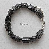 Браслет из бусин ручной работы. Ярмарка Мастеров - ручная работа Браслет из черного необработанного турмалина (шерла) и серебра 925 пр. Handmade.