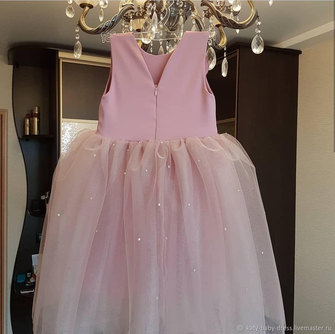 Пудрово-розовое фатиновое платье
