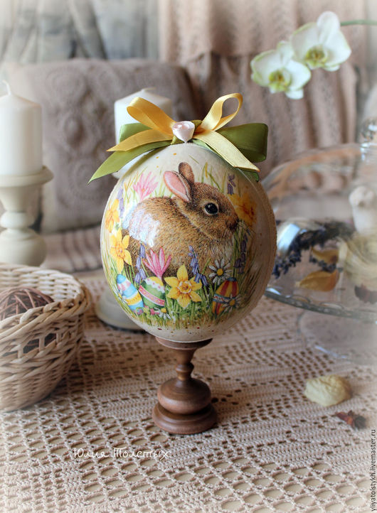 Подарки на Пасху ручной работы. Ярмарка Мастеров - ручная работа. Купить Яйцо страуса интерьерное на подставке. Handmade. Желтый