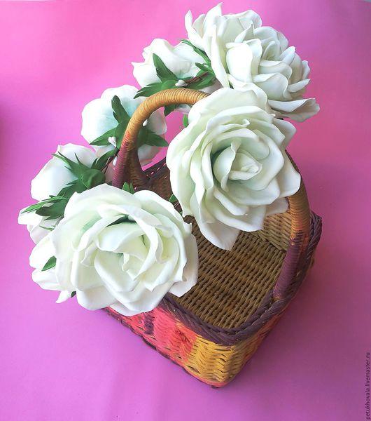Диадемы, обручи ручной работы. Ярмарка Мастеров - ручная работа. Купить Венок на голову с белыми розами из фоамирана.. Handmade. Белый