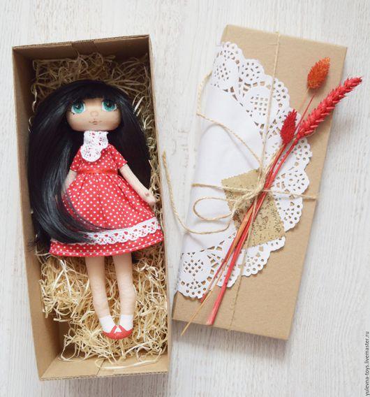 Коллекционные куклы ручной работы. Ярмарка Мастеров - ручная работа. Купить Текстильная кукла Ульяна. Handmade. Ярко-красный, красный