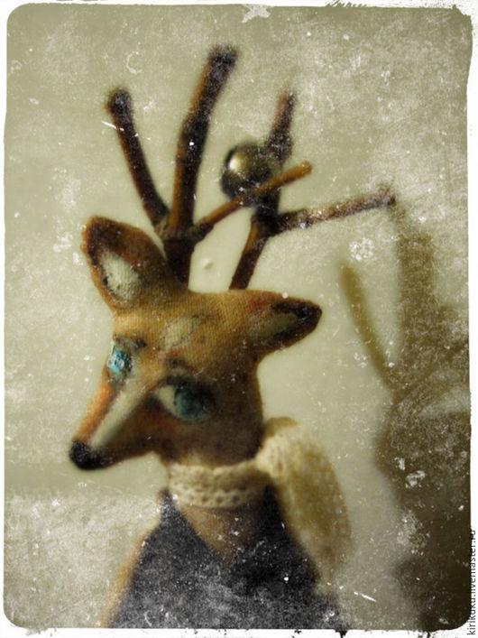 Сказочные персонажи ручной работы. Ярмарка Мастеров - ручная работа. Купить Маленький осенний олень.... Handmade. Олень, украшение, лак