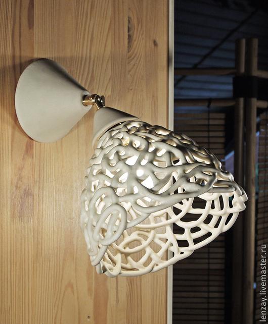 Светильник потолочный поворотный. Плетеная керамика Елены Зайченко