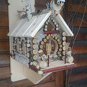 Для дома и интерьера ручной работы. Ярмарка Мастеров - ручная работа Избушка  Деда Мороза - кормушка для птиц и белок. Handmade.
