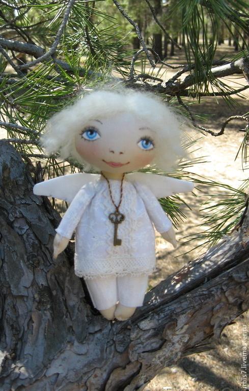 """Коллекционные куклы ручной работы. Ярмарка Мастеров - ручная работа. Купить подвеска """"Ангел"""". Handmade. Белый, ангелочки, ангелок"""