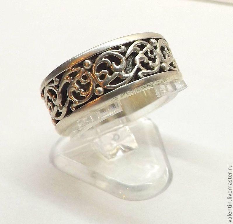 кольца с орнаментом