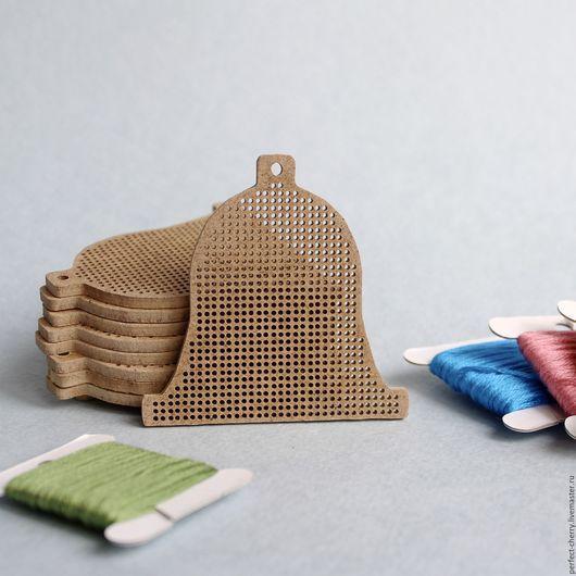 Вышивка ручной работы. Ярмарка Мастеров - ручная работа. Купить Основа для вышивания Колокольчик. Handmade. Бежевый, елочная игрушка, вышивка