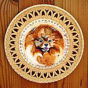 Картины и панно ручной работы. Ярмарка Мастеров - ручная работа Померанский шпиц - картина на берестяной тарелке. Handmade.