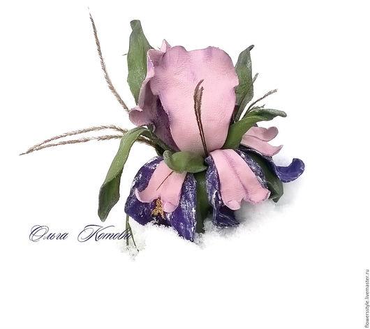 Броши ручной работы. Ярмарка Мастеров - ручная работа. Купить Брошь цветок из кожи Ирис осколок радуги Брошь-зажим цветы из кожи. Handmade.