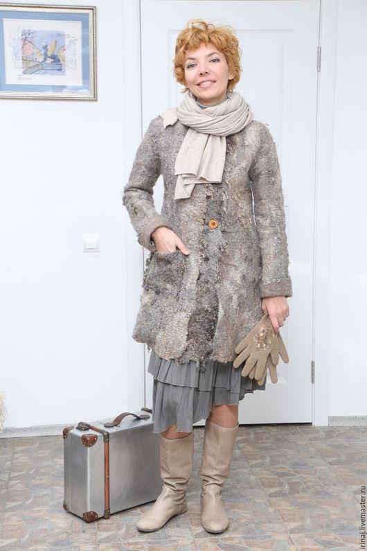 """Верхняя одежда ручной работы. Ярмарка Мастеров - ручная работа. Купить валяное пальто """"Village"""" в стиле бохо. Handmade. Бохо"""