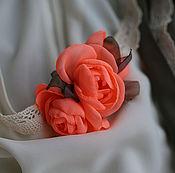 """Украшения ручной работы. Ярмарка Мастеров - ручная работа Заколка для волос """"Роза коралла"""". Цветы из ткани.. Handmade."""