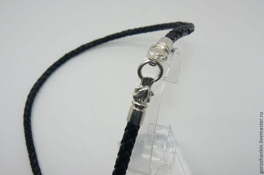 Чокер, шнур, гайтан на шею  из плетеной кожи черного цвета толщиной 6 мм с замками в виде головы волка из серебра 925 пробы Ручная работа