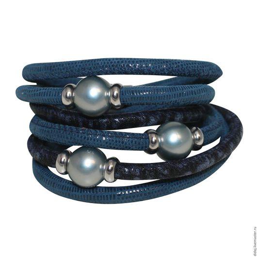 Браслеты ручной работы. Ярмарка Мастеров - ручная работа. Купить Элегантный браслет из итальянской кожи с серо-голубым перламутром. Handmade.