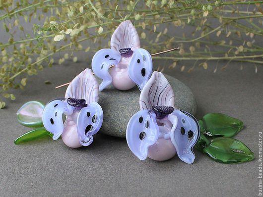 Бусина цветок лэмпворк Орхидея сиреневая (венерин башмачок)  Бусина стеклянная, ручной работы в технике лэмпворк, орхидея для использования в колье, подвеске, браслете.