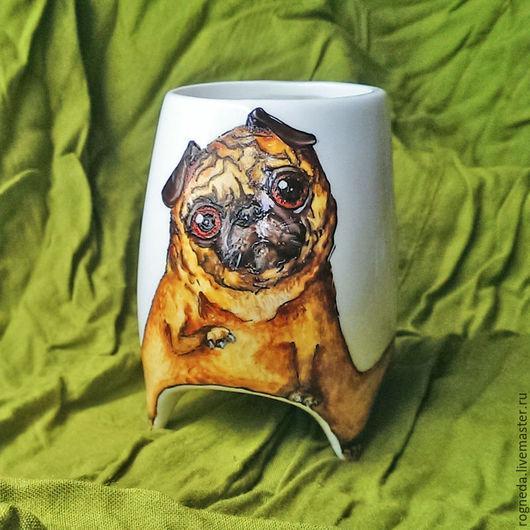 """Кружки и чашки ручной работы. Ярмарка Мастеров - ручная работа. Купить """"Мопс"""" чашка с ножками (0800). Handmade. Комбинированный, питомец"""