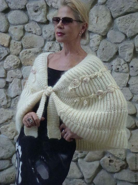 Кофты и свитера ручной работы. Ярмарка Мастеров - ручная работа. Купить пелерина вязаная. Handmade. Белый, женская одежда