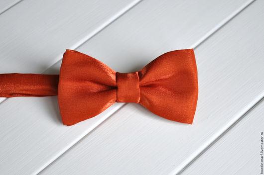 Галстук-бабочка оранжевый атласный -  аксессуар ручной работы из коллекции РАСПРОДАЖА от MARF.