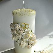 Свадебные свечи ручной работы. Ярмарка Мастеров - ручная работа Свечи семейный очаг с белыми розами и кольцами. Handmade.