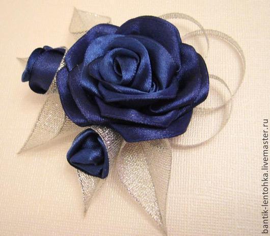 """Броши ручной работы. Ярмарка Мастеров - ручная работа. Купить Брошь """"Зимние розы"""". Handmade. Тёмно-синий, брошь-цветок"""