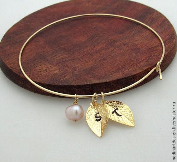 Золотой браслет листиками