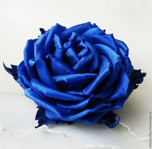 Броши ручной работы. Ярмарка Мастеров - ручная работа. Купить Брошь-роза шелковая ультра синяя. Handmade. Тёмно-синий