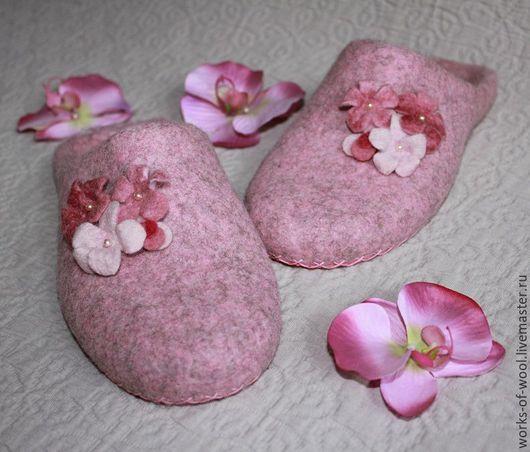 """Обувь ручной работы. Ярмарка Мастеров - ручная работа. Купить Валяные тапочки """"Цветочный сорбет I"""". Handmade. Тапочки"""