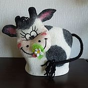 "Для дома и интерьера handmade. Livemaster - original item Грелка на чайник валяная ""Весёлая бурёнка"". Handmade."