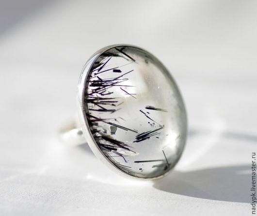 """Кольца ручной работы. Ярмарка Мастеров - ручная работа. Купить Кольцо с кварцем-волосатиком """"Полет"""". Handmade. Чёрно-белый, кольцо"""