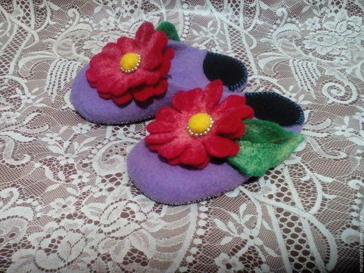 """Обувь ручной работы. Ярмарка Мастеров - ручная работа. Купить Тапочки """"Для доченьки"""". Handmade. Сиреневый, тапочки для дома"""