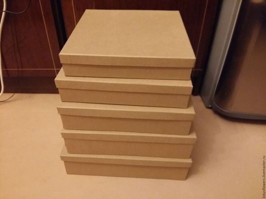 Квадратные коробки из крафт-бумаги для цветов подарков и т д.