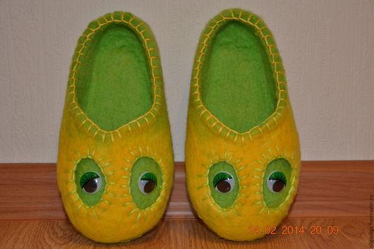 Обувь ручной работы. Ярмарка Мастеров - ручная работа. Купить ДЕТСКИЕ ВАЛЯНЫЕ ТАПОЧКИ. Handmade. Комбинированный, тапочки валяные