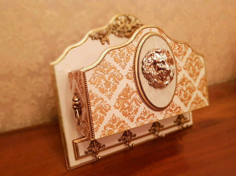 Ключница настенная с полкой Золотой Лев (или Пегас), Ключницы настенные, Санкт-Петербург,  Фото №1