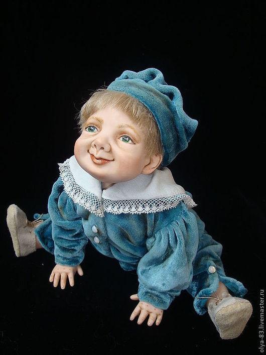 Коллекционные куклы ручной работы. Ярмарка Мастеров - ручная работа. Купить Фарфоровая кукла. Малыш в голубом костюме. Handmade. бархат