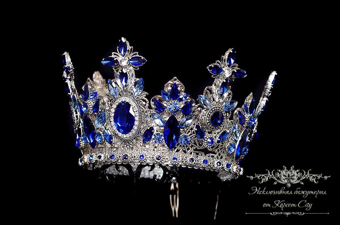 тиары короны мира фото стрижка это разумеется