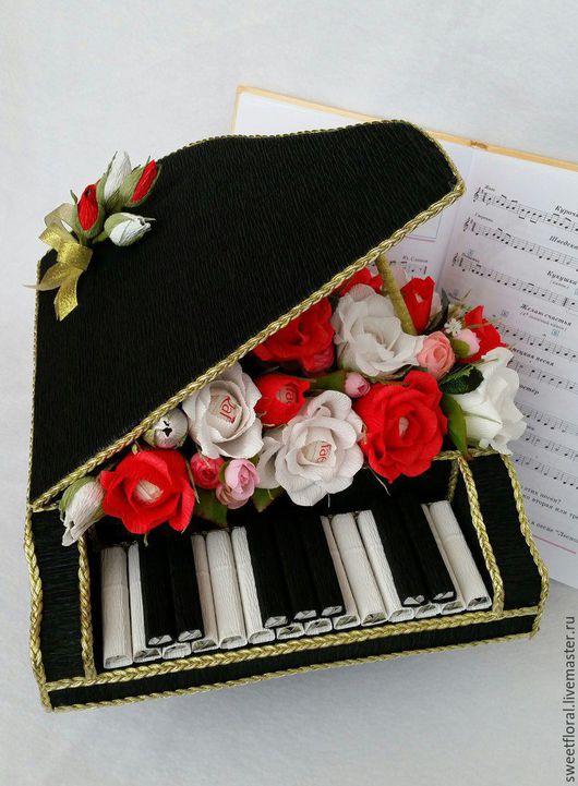 """Букеты ручной работы. Ярмарка Мастеров - ручная работа. Купить Рояль с конфетами """"Сладкая симфония"""". Handmade. Комбинированный, сладкий подарок"""