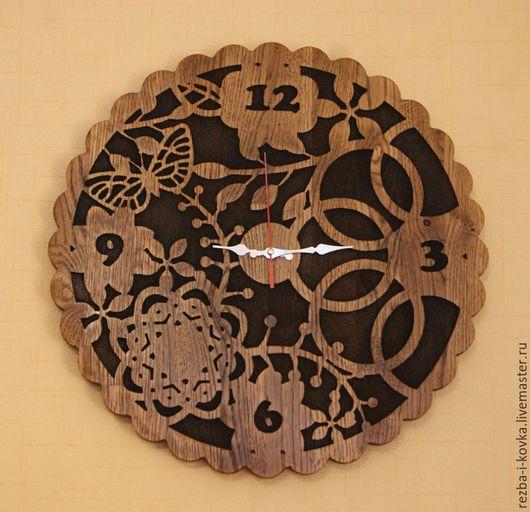 """Часы для дома ручной работы. Ярмарка Мастеров - ручная работа. Купить Часы резные """"Ночь"""".. Handmade. Коричневый, ясень, дуб"""