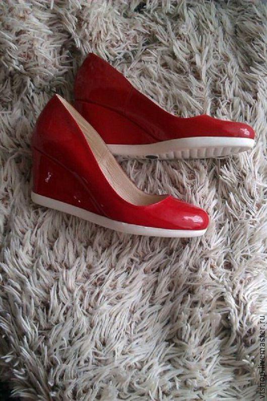 Обувь ручной работы. Ярмарка Мастеров - ручная работа. Купить Лаковые туфли. Handmade. Ярко-красный, туфельки, модные туфли