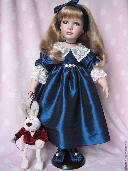 Коллекционные куклы ручной работы. Ярмарка Мастеров - ручная работа. Купить Девочка Алиса со своим Кроликом. Handmade.