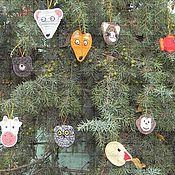 Подвески ручной работы. Ярмарка Мастеров - ручная работа Набор вязаных елочных игрушек «Животные». Handmade.