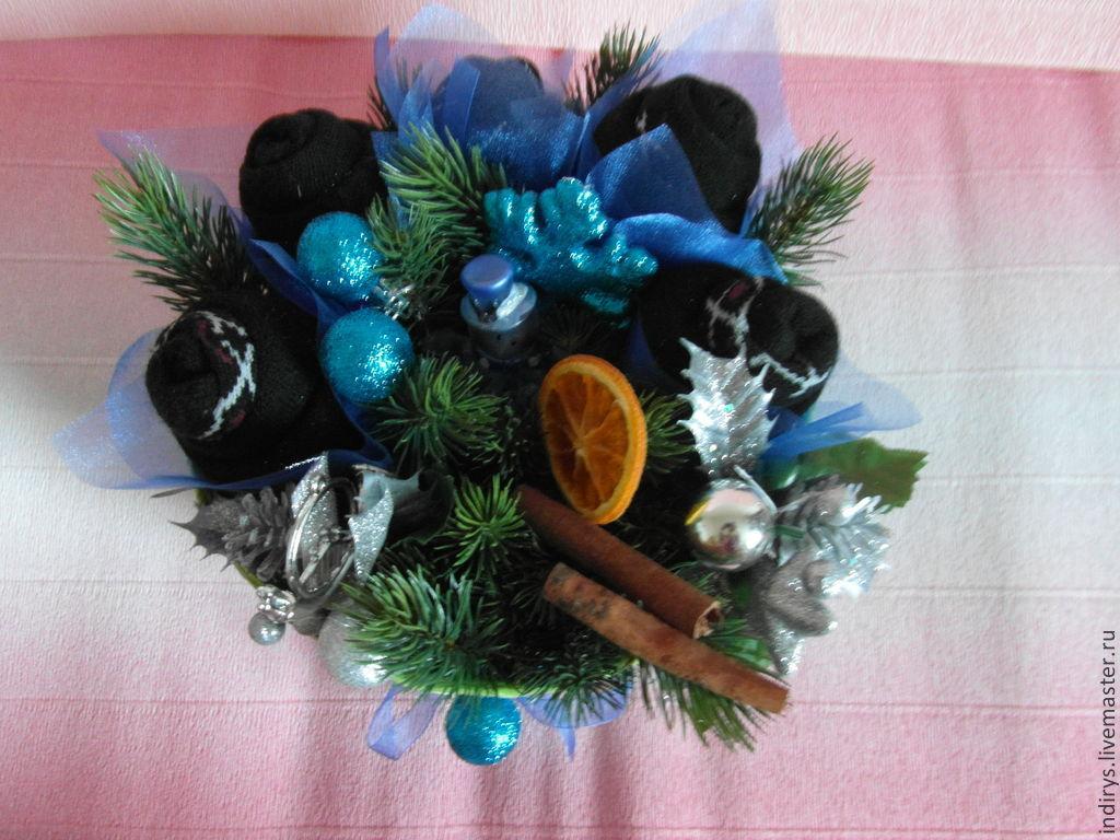 Новогодний букет из мужских носков в корзине, Персональные подарки, Москва, Фото №1