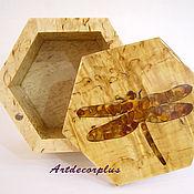 Шкатулка из карельской березы с янтарной стрекозой