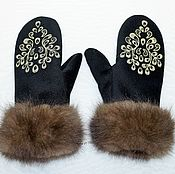 Аксессуары handmade. Livemaster - original item Mittens with sable fur and embroidered. Handmade.