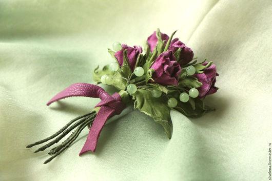 Броши ручной работы. Ярмарка Мастеров - ручная работа. Купить Брошь из кожи Букетик роз Цветы из кожи. Handmade.
