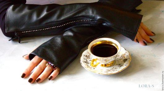 """Варежки, митенки, перчатки ручной работы. Ярмарка Мастеров - ручная работа. Купить Митенки кожаные со стразами """"Кофейный сюжет"""" Черные митенки. Handmade."""