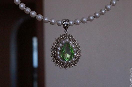 """Колье, бусы ручной работы. Ярмарка Мастеров - ручная работа. Купить ожерелье """"Первый подснежник"""". Handmade. Салатовый, недорогие украшения"""