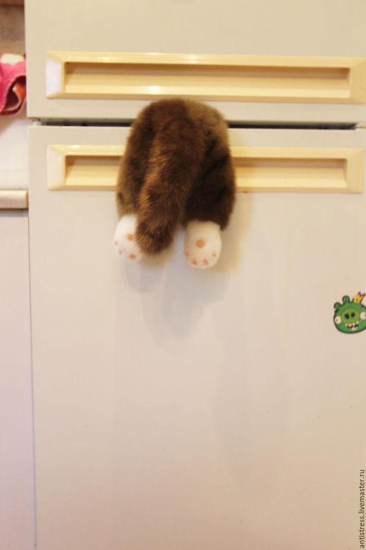 Приколы ручной работы. Ярмарка Мастеров - ручная работа. Купить Котик-магнит на холодильник.. Handmade. Коричневый, прикол
